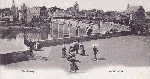 Cörverplein 1888 lèste openbaar waterpoomp