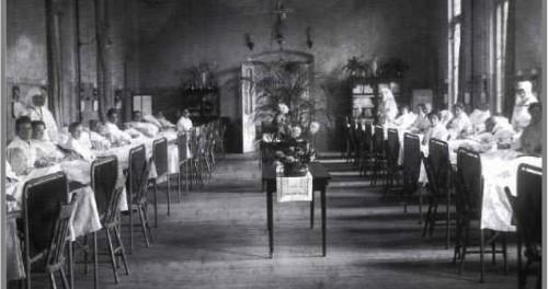 Klevarie vrouwezaol 1920