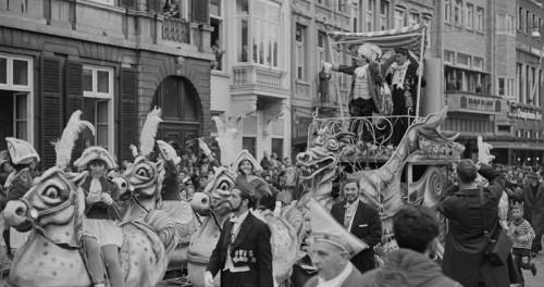 Carnavalsoptoch op de Vriethof